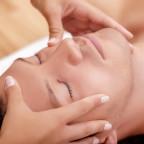 Cranio Sacrale Therapie bei unserer Therapeutin Heidi Lindner.